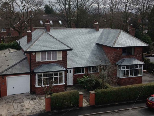 Picture of house with new roof by J&B Roofing Ltd